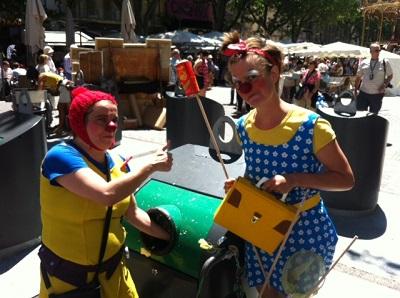 Festival d'Avignon – Des clowns sensibilisent au tri des déchets